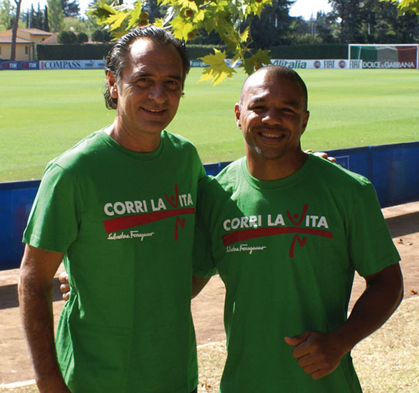 Cesare Prandelli e Leonard Bundu - Corri la Vita 2011